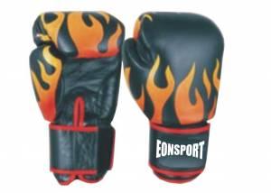 Боксови ръкавици с пламъци